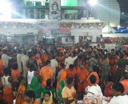 बाबा मंदिर में उमड़ी श्रद्धालुओं की भीड़