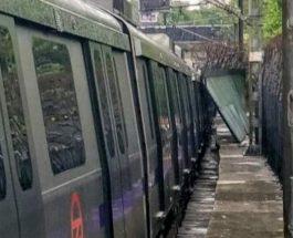 बारिश के बाद दिल्ली मेट्रो के कोच पर गिरी दीवार, वॉयलेट लाइन पर सेवा बाधित