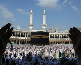 हजयात्रियों का पहला जत्था रवाना, मुख्तार अब्बास नकवी ने दीं शुभकामनाएं