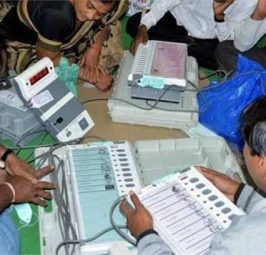 मतगणना LIVE, मतगणना शुरू, महाराष्ट्र में भाजपा को बढ़त, हरियाणा में कांटे की टक्कर