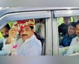 यूपी: एसपी लीडर बना दूल्हा, कार्यकर्ता बाराती, प्रशासन को दिया झांसा, अखिलेश से मिलने रामपुर पहुंच गये